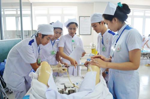 Chia sẻ phương pháp học tốt ngành Điều dưỡng