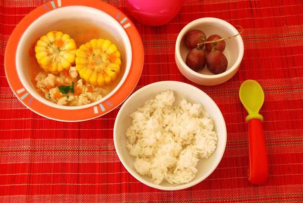 Chế biến món ăn cho bé 2 tuổi đủ dinh dưỡng